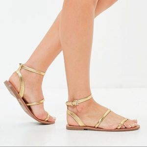 GOLD 3 Strap Sandals- Missguided